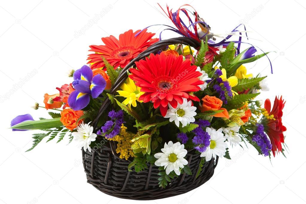 Célèbre beau bouquet de fleurs printanier coloré dans un panier — Photo  YS39
