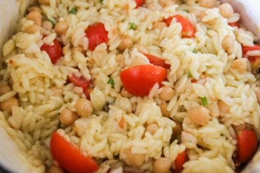 Orzo Salad with Chickpeas & Cherry Tomatoes