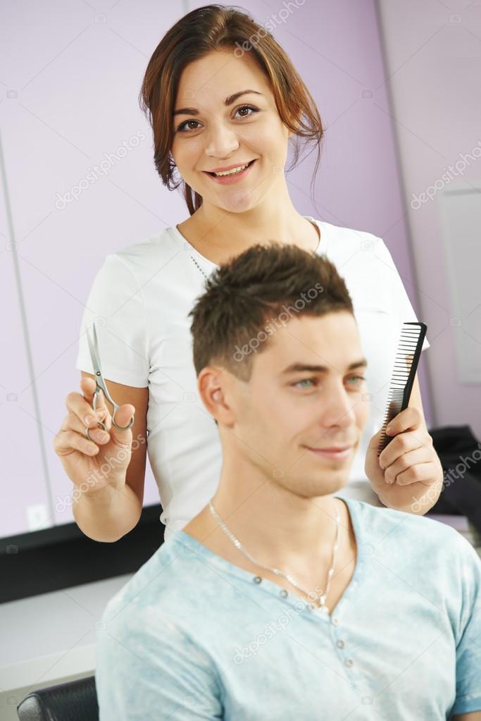 Клиента своего парикмахерша трахает
