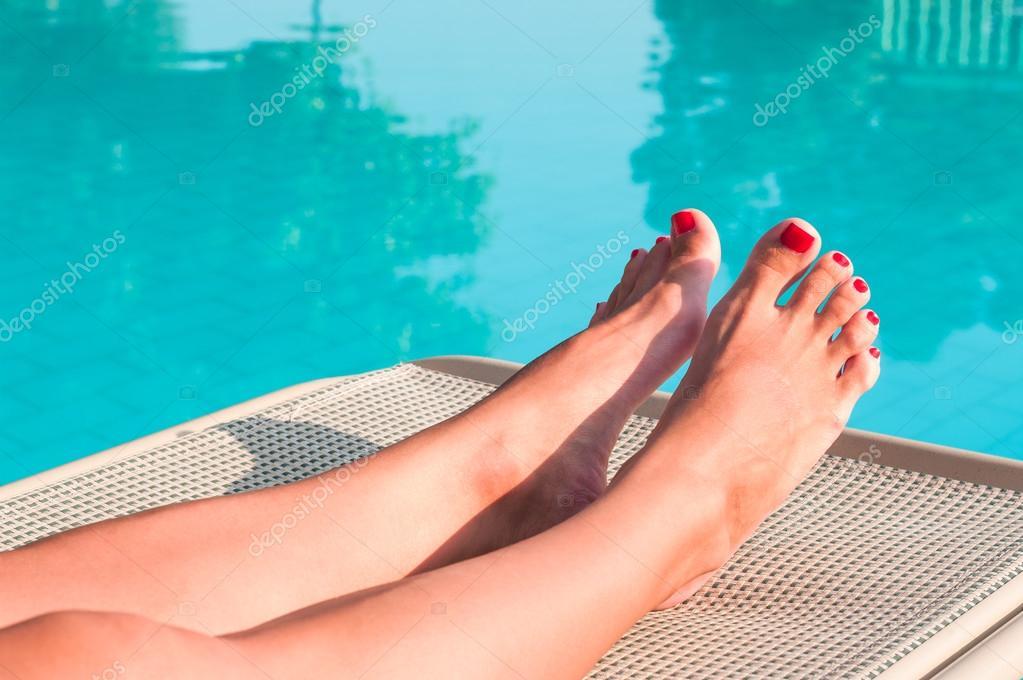 ножки у бассейна фут безобидные дорамы