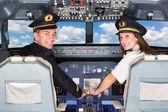 Fotografia piloti nella cabina di guida