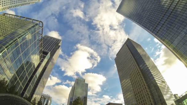finanční čtvrti v Londýně, časová prodleva