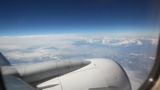 égen repülőgép ablakból