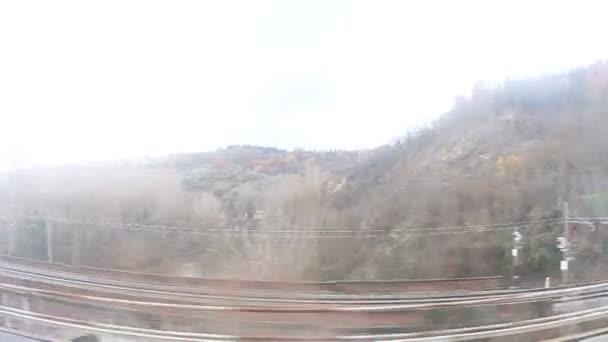 krajina s hory a řeky