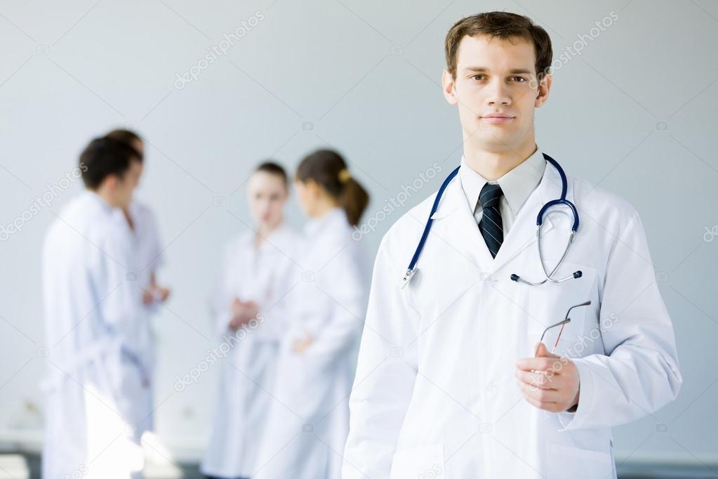 Молодой доктор видео абсолютно