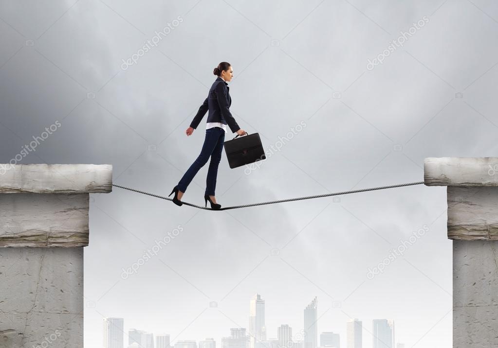 Mujer de negocios riesgoso — Fotos de Stock © SergeyNivens #40684455