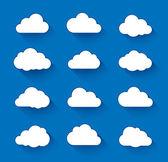 bílé mraky na modrou oblohu s dlouhý stín