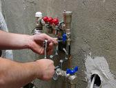 instalatér instalace potrubí
