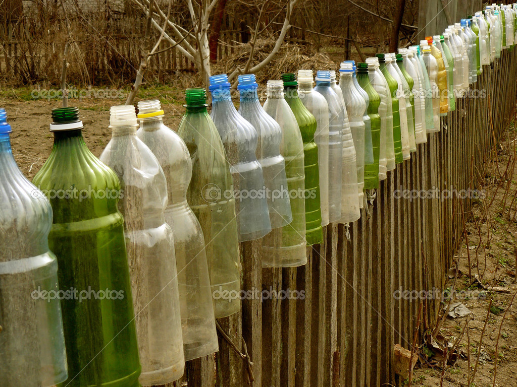 mit Kunststoff Flaschen — Stockfoto