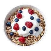 tál müzli és joghurt friss bogyós gyümölcsök