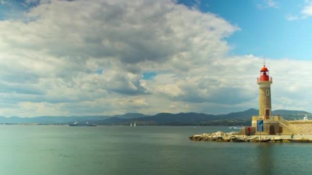 Világítótorony és a bejáratnál, hogy a port, time-lapse