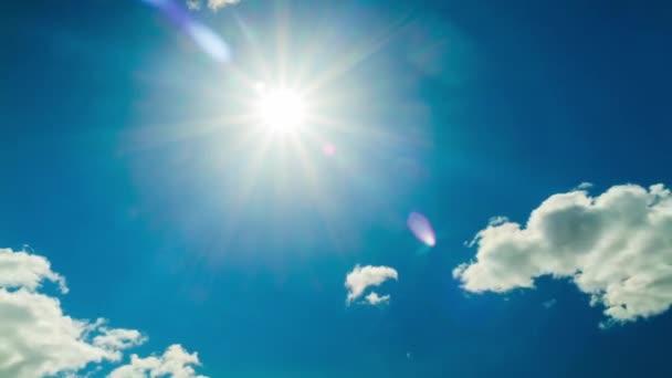 modrá obloha a slunce, time-lapse