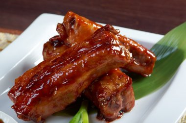 roasted pork ribs in a plate