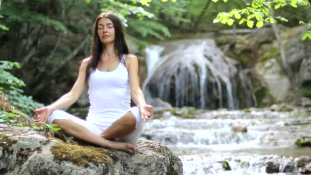Mädchen, Meditation, Wasserfall