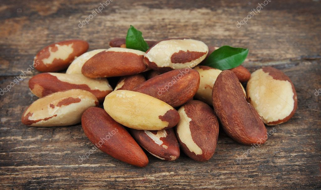 Brasil nuts with leafs