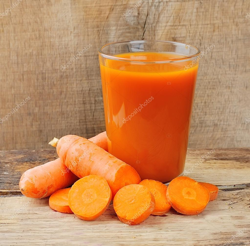 carrot juice and carrot segments