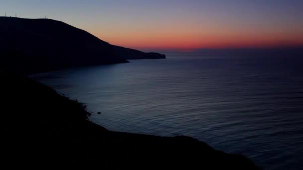 timelapse svítání v horách. Hora meganom, Krym, Ukrajina