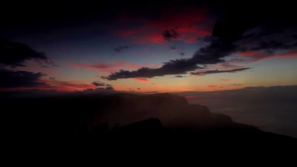 timelapse svítání v horách ai-petri. Alupka, Krym, Ukrajina. plné hd