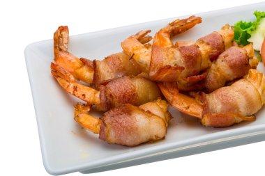 Shrimps in bacon