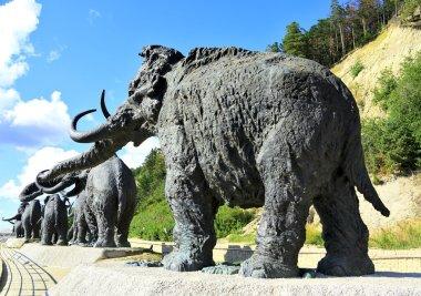 Leaving mammoths