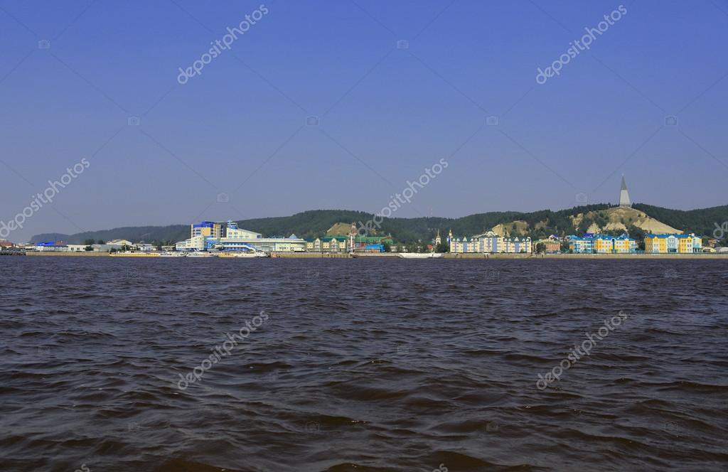 ハンティ ・ マンシースク。川か...