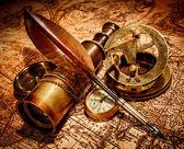 Fotografia oggetti depoca antica mappa