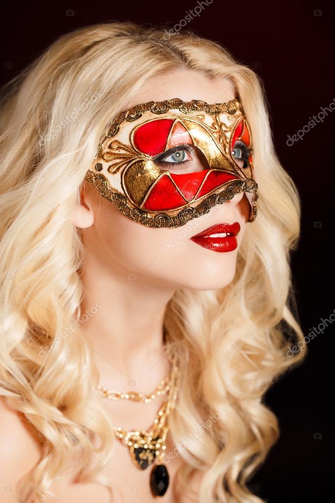 фото красивой блондинки молодой