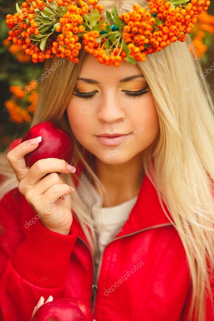Girls in orange park — pic 13
