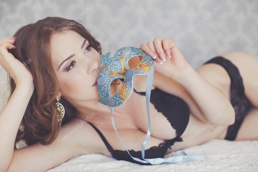 b222b9c19ad όμορφη και σέξι γυναίκα στην κρεβατοκάμαρα — Φωτογραφία Αρχείου ...