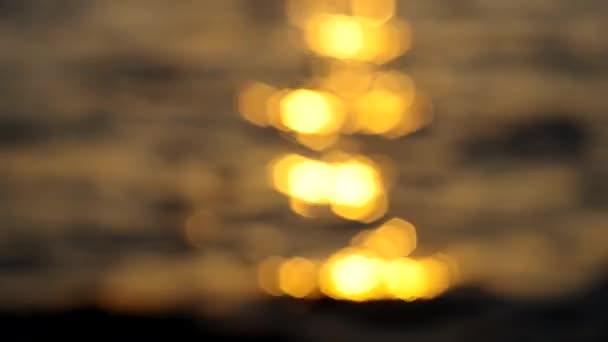 tramonto al paesaggio marino