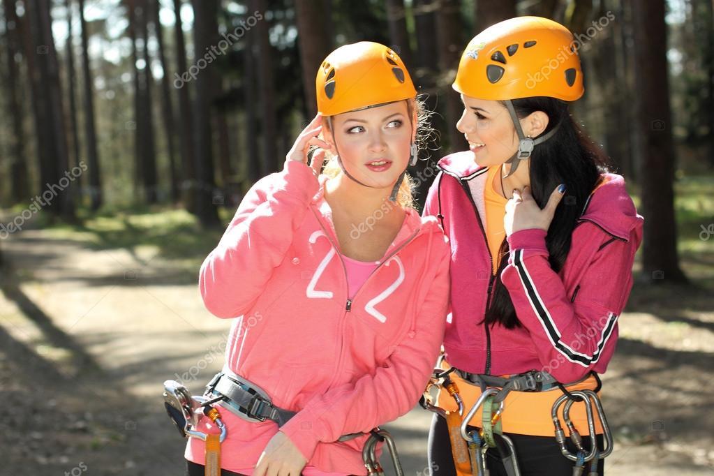 Kletterausrüstung Kinder : Mädchen in kletterausrüstung u stockfoto rumisphoto