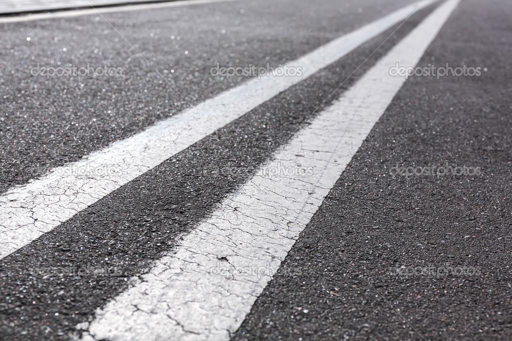 二重の白線 — ストック写真 © Mr...