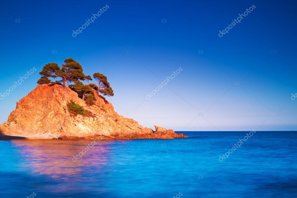 Фотообои Island at sunset