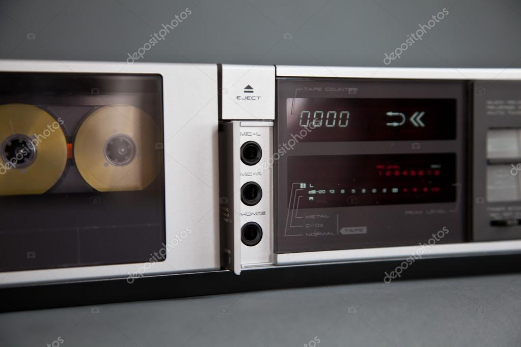53feab698679 Stereo Cassette Tape Deck Analog Vintage — Stock Photo © vittore ...