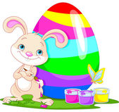 Roztomilý zajíček a velikonoční vejce
