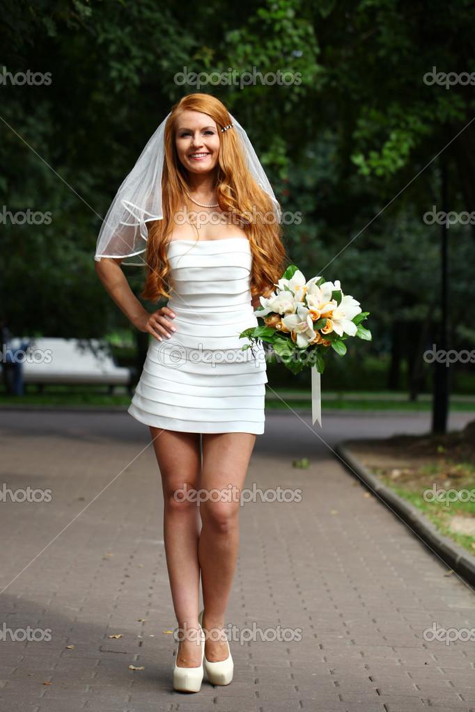 Schone Rote Haare Braut Hochzeit Kleid Stockfoto C Arkusha 30633029