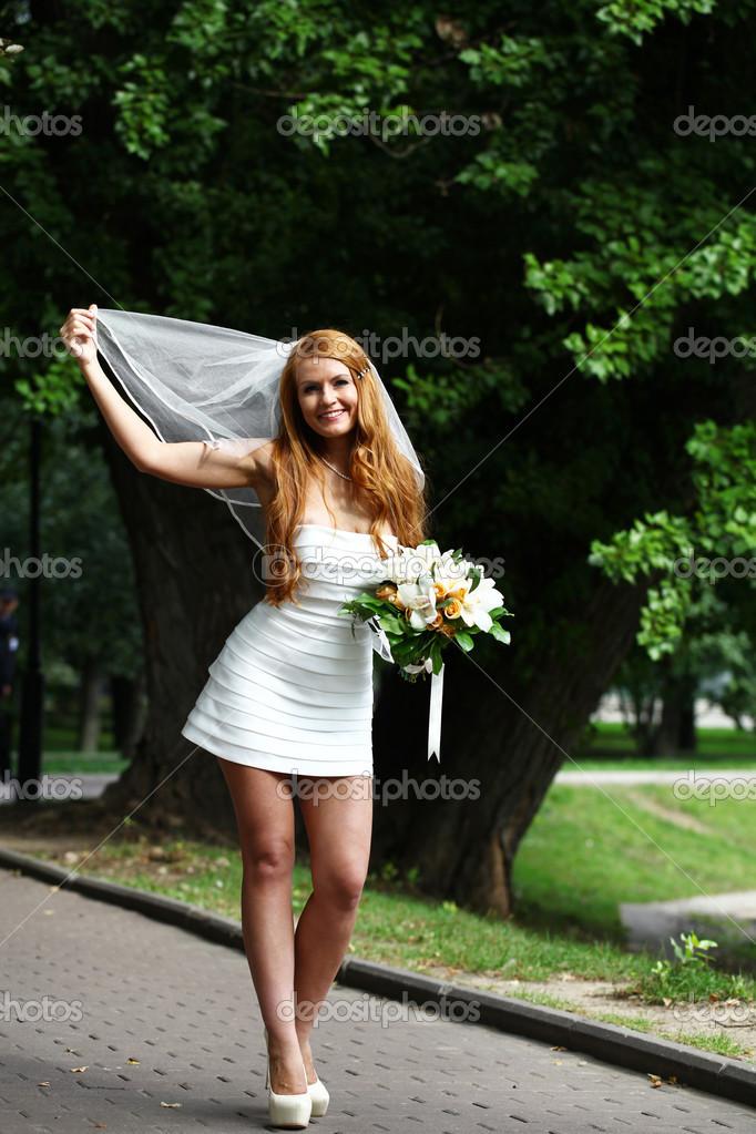 Schone Rote Haare Braut Hochzeit Kleid Stockfoto C Arkusha 30633167