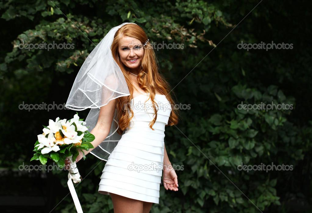Schone Rote Haare Braut Hochzeit Kleid Stockfoto C Arkusha 30633173