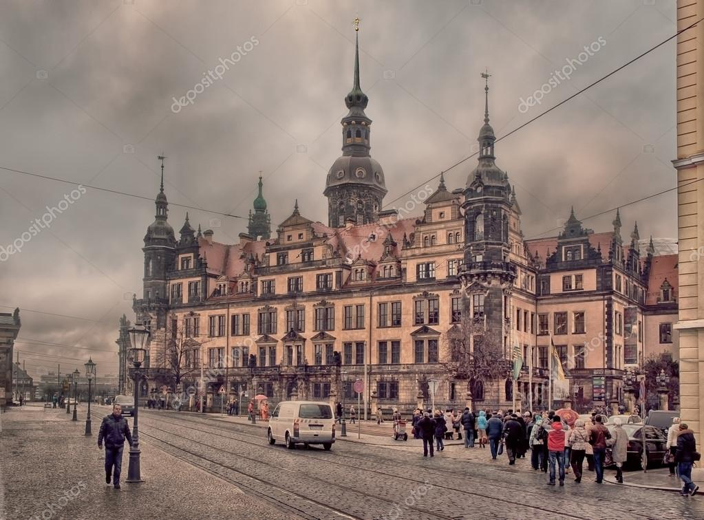 Фотообои Dresden at winter cloudy day
