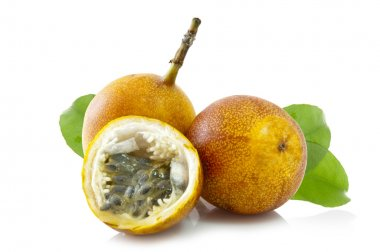 Exotic Passion fruit (Passiflora edulis)