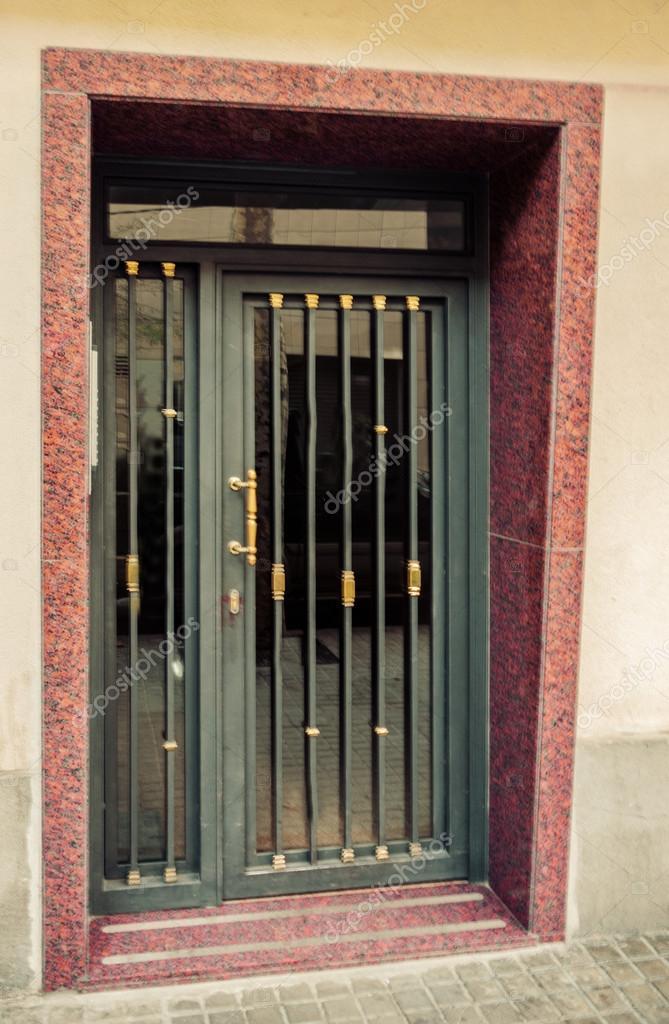 Porte ancienne en m tal photographie fotoall 36052565 for Porte 60 pouces