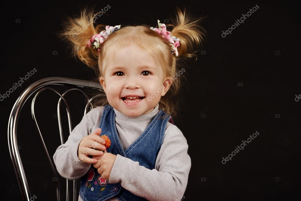 Dziewczyna Z Kitka Zdjęcie Stockowe Reanas 21440119