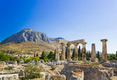 Photo Ruins of temple in Corinth, Greece