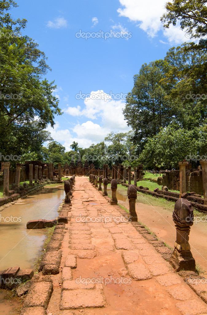 Banteay Srei Temple entrance pathway