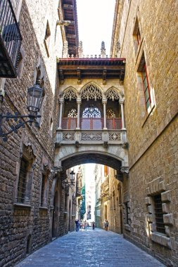 Bridge at Carrer del Bisbe in Barri Gotic (Bishop Street), Barcelona, Catalonia, Spain