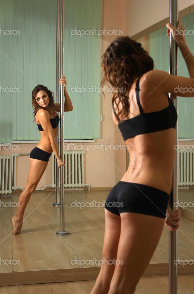 girls pole dancing