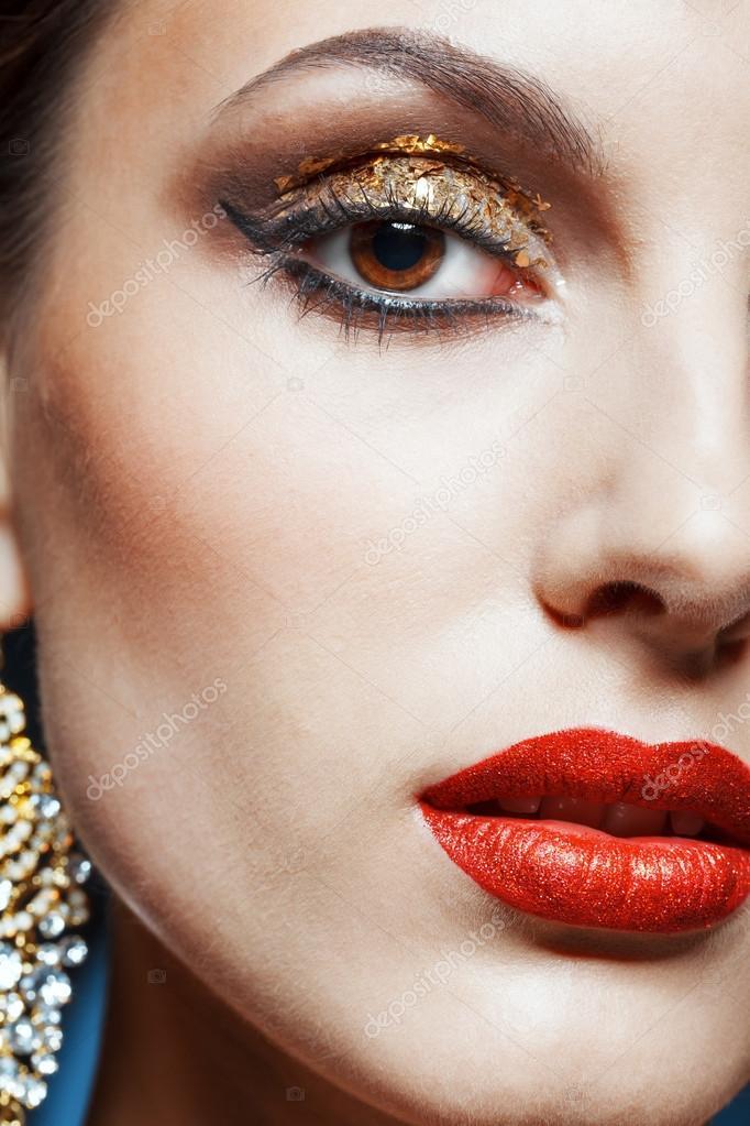 maquillaje de ojos dorados Fotos de Stock zastavkin 32697803