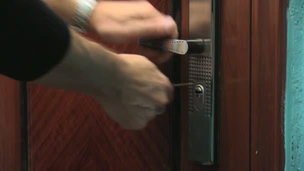 otevření dveří