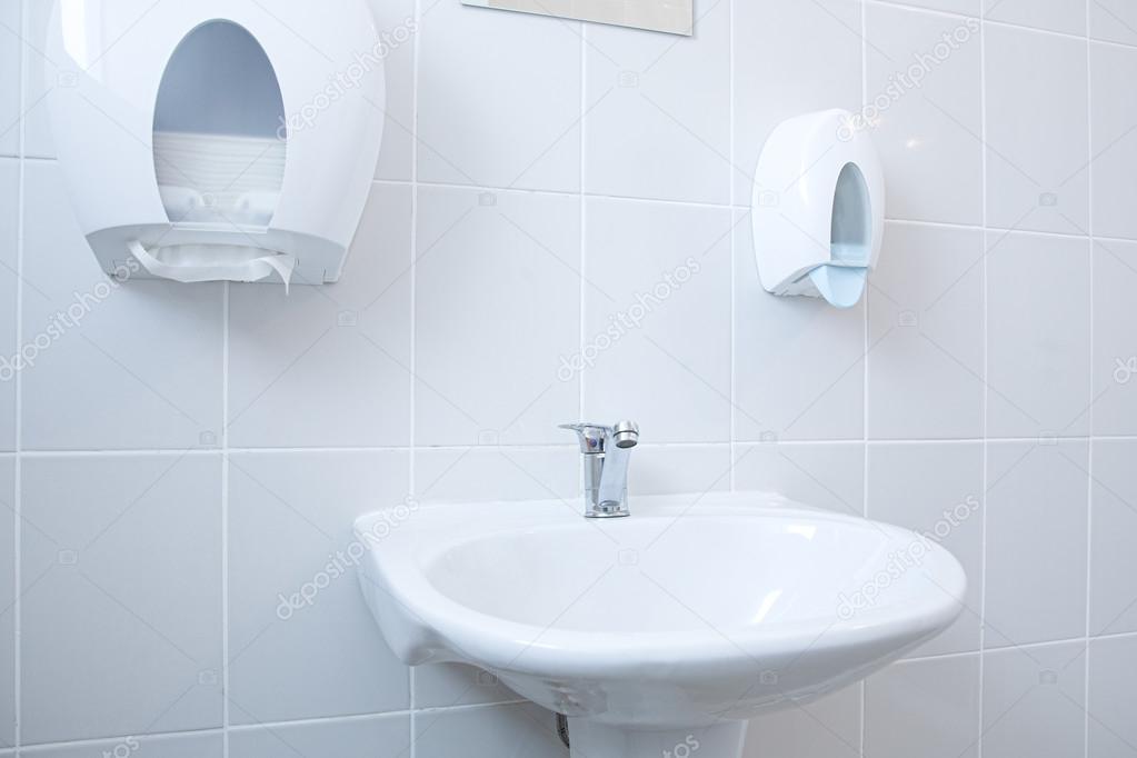 quipement salle de bain photographie kovalvs 36836515. Black Bedroom Furniture Sets. Home Design Ideas