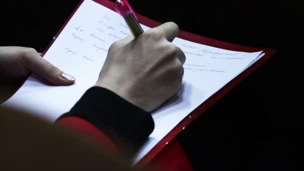 kézzel írja a notebook